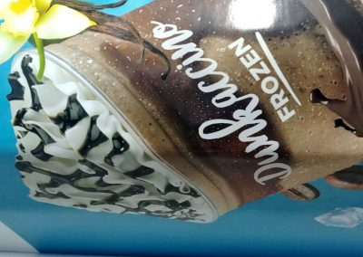 Vinilado escalera Dunkin Coffee en Madrid