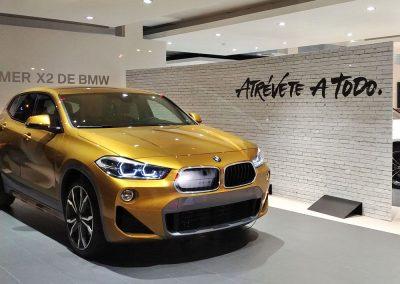 Diseño y montaje del cubo para el BMW X2 en el concesionario de El Viso