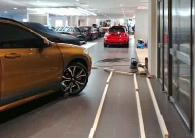Cubo para el BMW X2 en el concesionario de Puerto Banús