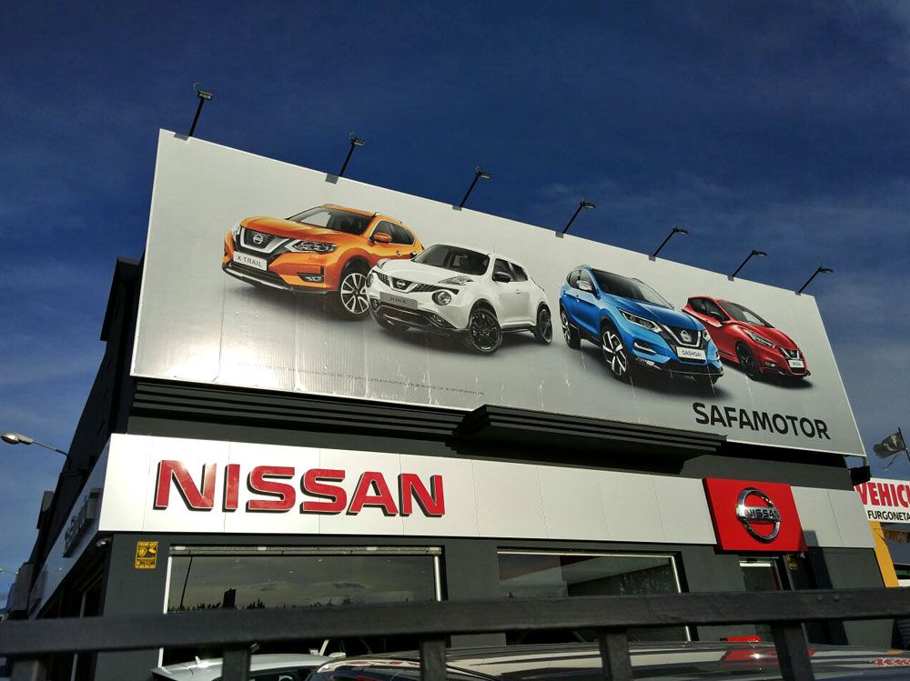 Vinilos para concesionario Nissan Safamotor en Vélez-Málaga