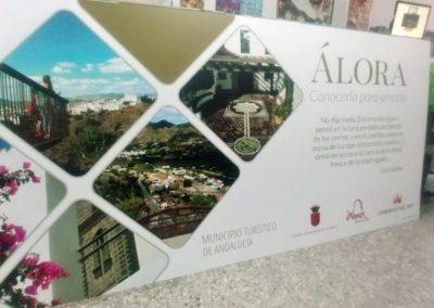 Placas promocionales de Álora en la salida del Caminito del Rey