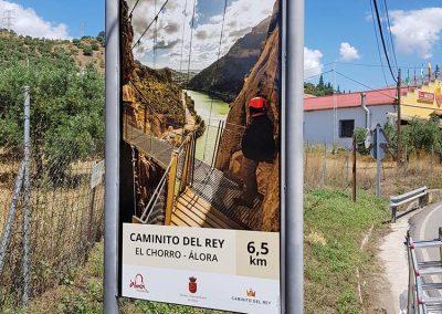 Tótems en la carretera de Álora al Chorro