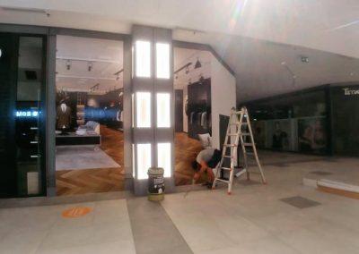 Vinilados para cerramientos de locales en obras del CC El Ingenio