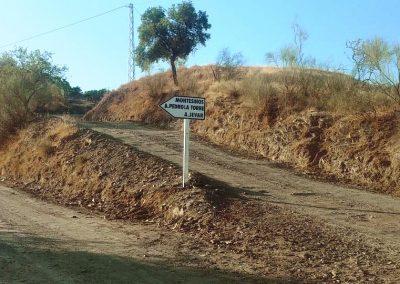 Señalización de los caminos en los alrededores de la Ermita de las Tres Cruces