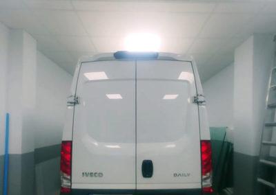 Rotulación de furgoneta de Navarro Hermanos